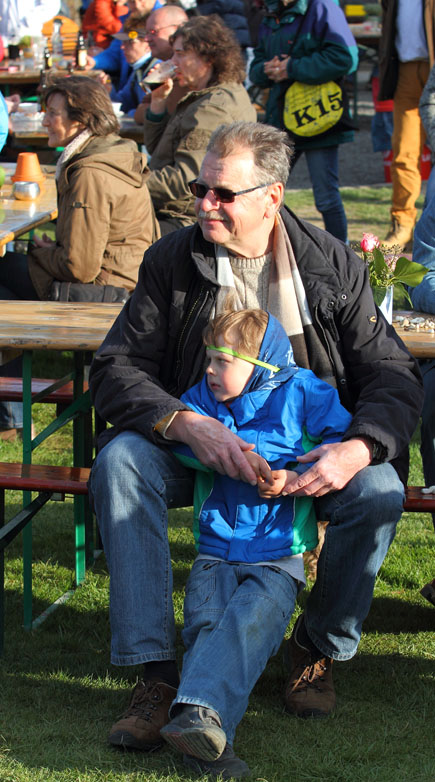 folk am fluss 2015 06