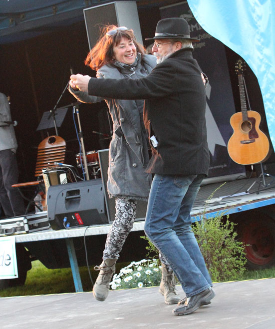 folk am fluss 2015 49a